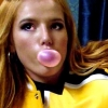 Bella Thorne is lekker schaars gekleed in Cuba