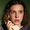 Millie Bobby Brown (Stranger Things) als biseksuele oplichtster in Netflix-thriller 'The Girls I've Been'