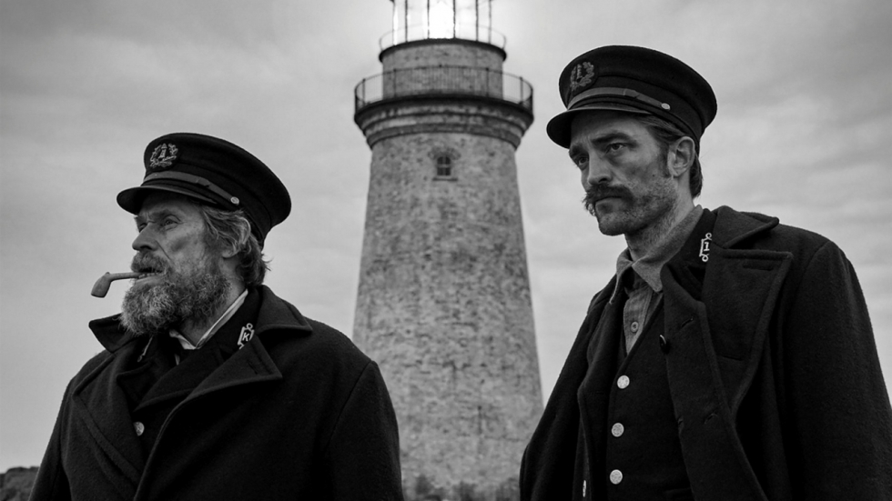 Blu-ray review 'The Lighthouse' - Kleinschalig spektakel met Pattinson en Dafoe