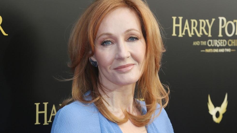 Helpt J.K. Rowling met haar nieuwe nu al controversiële boek haar carrière om zeep?