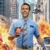 Ryan Reynolds zet 'The Rock' flink te kakken na helemaal kapot rammen poort