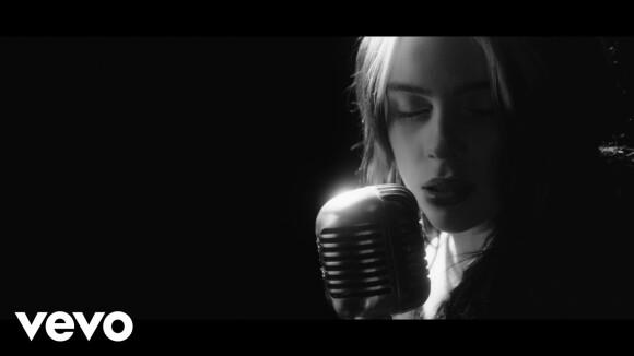 Officiële videoclip 'No Time To Die' van Billie Eilish
