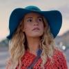 Getrouwde acteur tongzoenend in vliegtuig betrapt met veel jongere Lily James