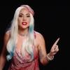 Lady Gaga opnieuw in haar iconische vleesjurk!