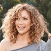 Jennifer Lopez in mooi uitgesneden jurkje op Insta-foto