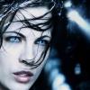 Kate Beckinsale twerkt en danst er vrolijk op los in haar quarantaine