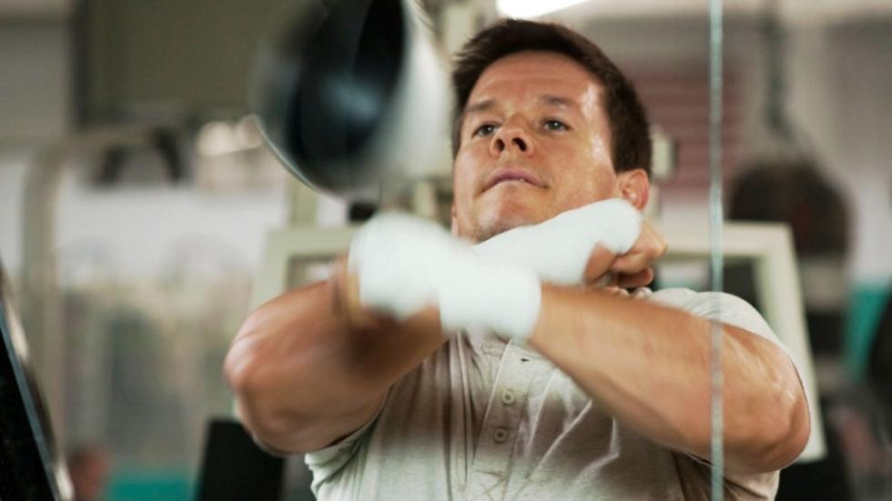 Mega gespierde Mark Wahlberg komt om half 3 's nachts uit bed voor zijn workout (video)