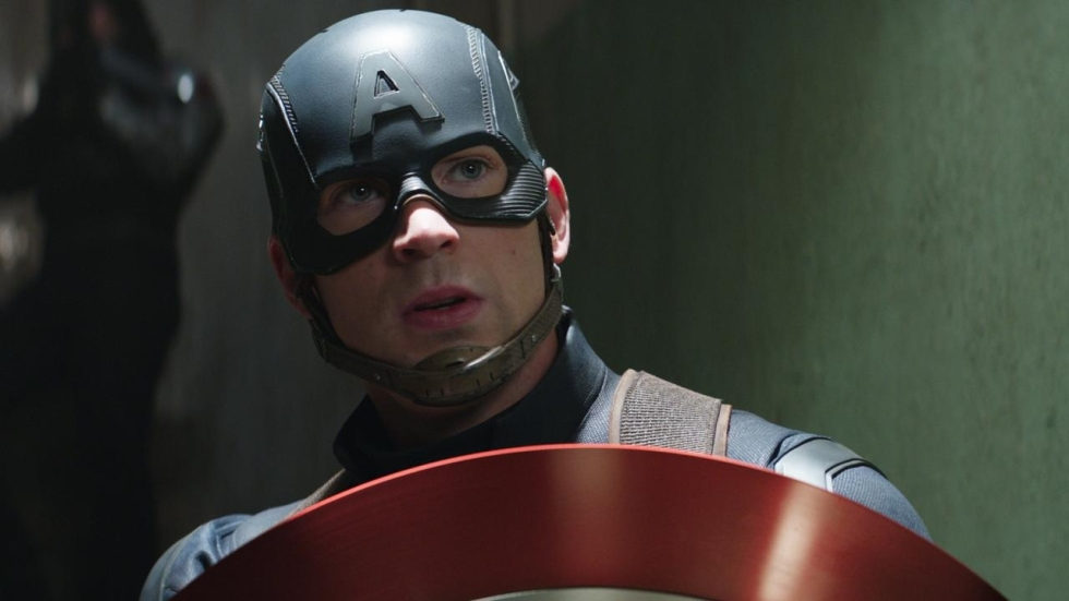 'Captain America'-acteur Chris Evans zit onder de tatoeages; fans in shock
