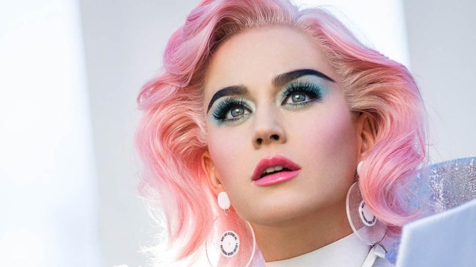 Katy Perry deelt selfies vanaf de wc
