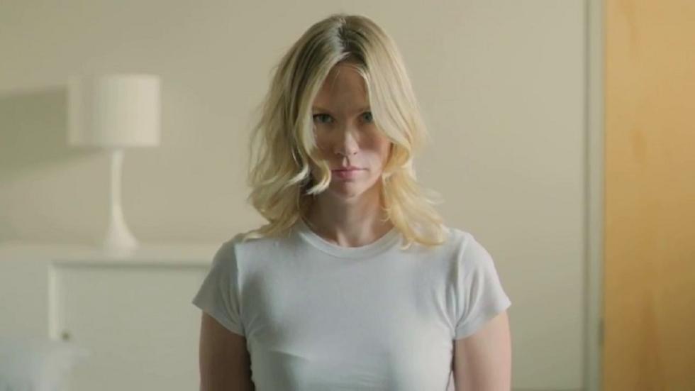 Marvel-actrice January Jones in doorschijnend jurkje