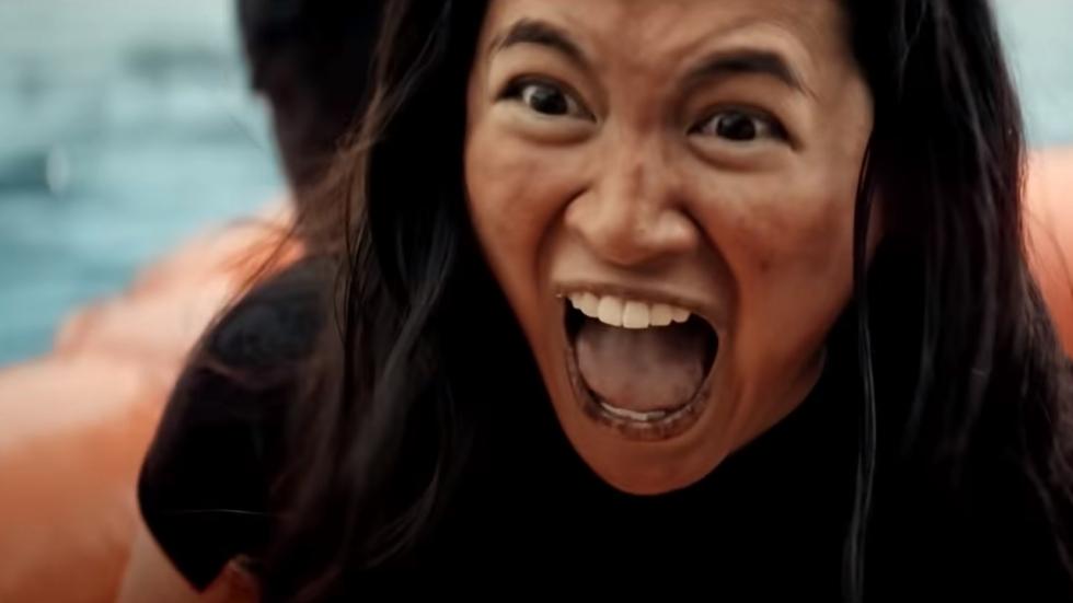 Monsterlijke haaien liggen op de loer in trailer 'Great White'