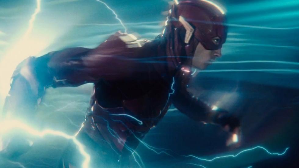 Foto's 'The Flash' teasen actie bij Wayne Manor
