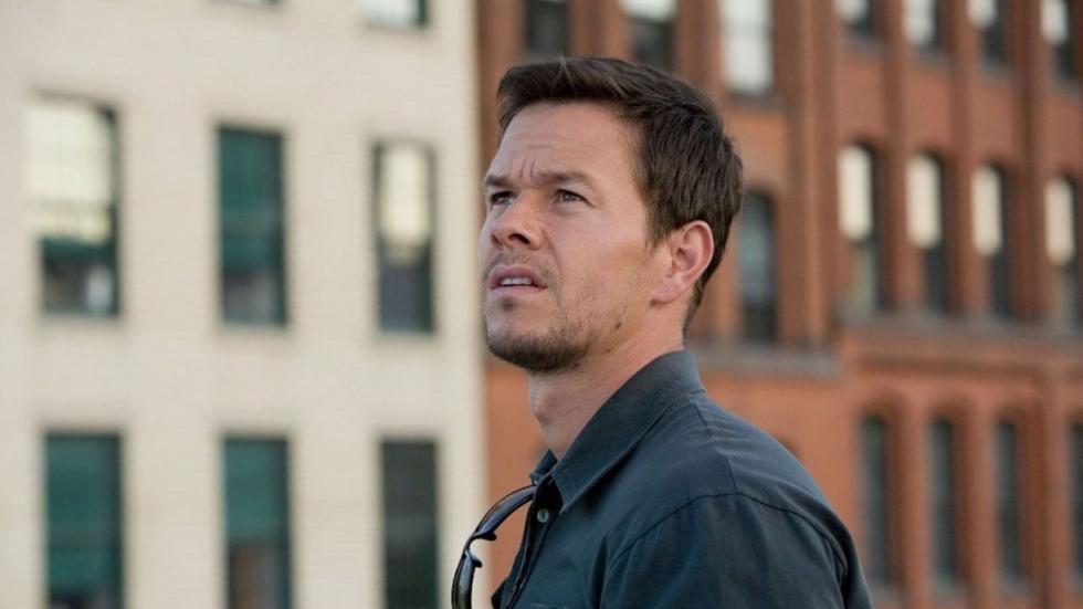 Normaal ontzettend gespierde Mark Wahlberg nu enorm dik en in rolstoel
