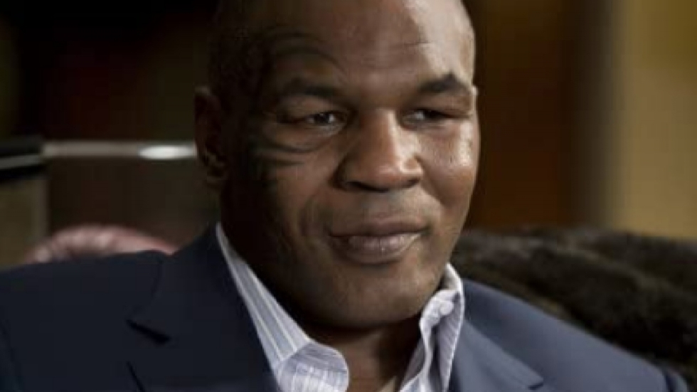 Bokser Mike Tyson raakt verwikkeld in kat-en-muis-spel met Bruce Willis