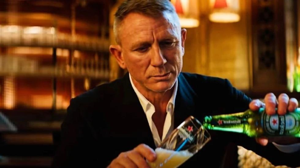 Heineken commercial 'No Time To Die' steekt de draak met corona