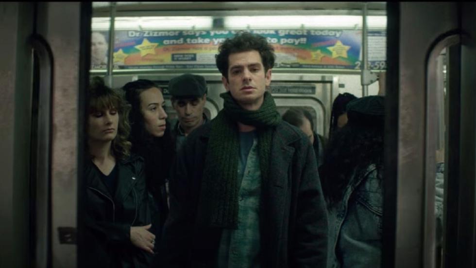 Een héél andere Andrew Garfield in trailer 'Tick, Tick...Boom!' van Netflix